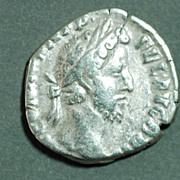 Roman Silver Coin. COMMODUS. AR Den. Felicitas
