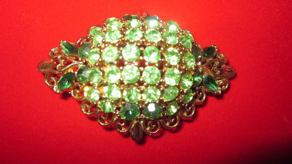 Signed Lisner Green Rhinestone Goldtone Brooch