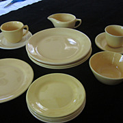 Bauer La Linda Dinnerware, Yellow, 14 Pieces