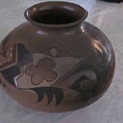 Large, 8&quot; X 12&quot;, Pueblo Buff, Black, White, and Red Olla