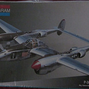 Monogram 1:48, P-38J Lightning Plastic Model, NRFP