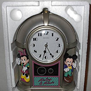 "1994 Seiko ""Mickey and Minnie Mouse"" Jukebox Musical Alarm Clock"