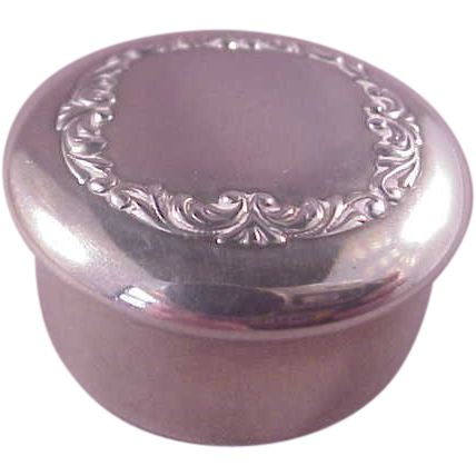 Vintage sterling pill box f b in flag from albie on ruby for Naugatuck glass company