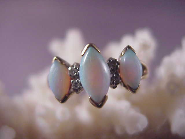 Pretty Vintage 10k Opal and Diamond Ring/size 6 1/4