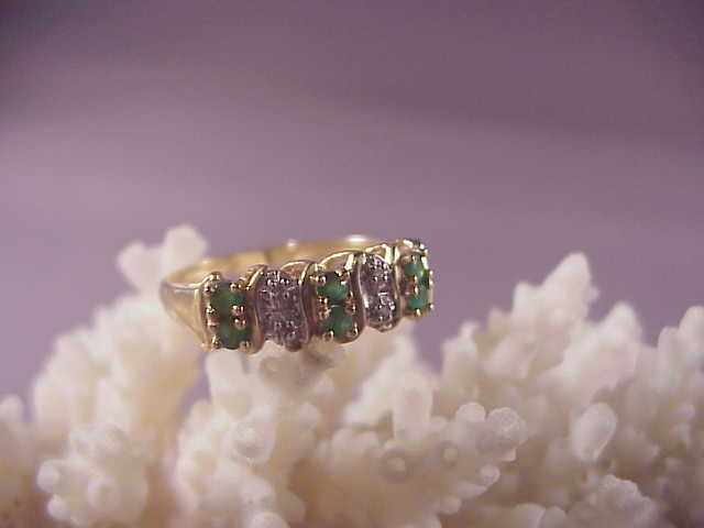 Pretty 14k Emerald and Diamond Ring/size 7