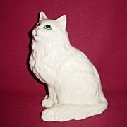 Beswick White Persian Cat Seated, Looking Up #1867
