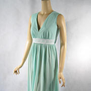 Vintage 1970s 70s Nightgown Mint Green Nylon Goddess Style Negligee B36