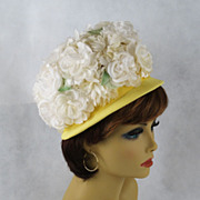 Vintage 70s Hat White Petals Floral Crown on Yellow Frame