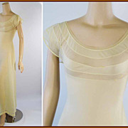 Vintage 1950s 1960s Pale Yellow Sheer Nightgown Sz 32 B34
