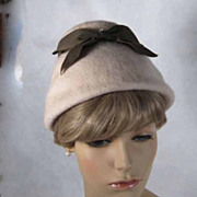 Vintage 1960s Hat Cream Faux Fur Bucket Cloche Style with Moss Green Ribbon Sz 21.5