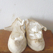 "Old 3.5"" Ivory Linen Shoes with Braid Around Tops for  German Bisque"