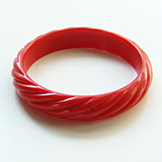 Vintage Red Lucite Hard Plastic Bangle Bracelet Ribbed Rope Twist