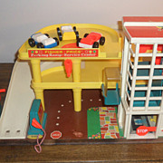 Vintage Fisher Price Play Family Action Garage #930