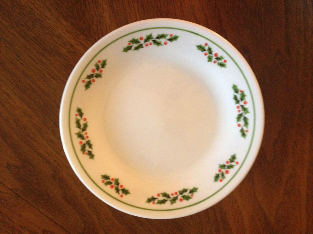 Corelle Christmas Plates Corelle Livingware 16 Piece