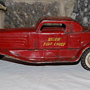 "Marx 1930 ""Siren Fire Chief "" Pressed Steel Fire Dept. Vehicle Toy"