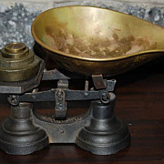 Early 1900's Cast Iron To- Welch 4-Pound General Store Scale