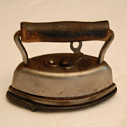 Early 1900's DOVER SAD #602 Salesman Sample Iron with Trivet