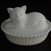 Westmoreland Milkglass Covered Cat Figured Candy Dish