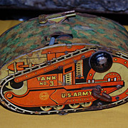 Vintage Wind-Up MARX Tin  U.S. Army Tank No. 3 Friction  Toy