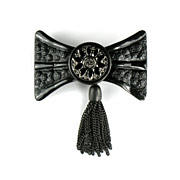 Black Metal Bow Chain Tassel Pin
