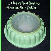 Tupperware Jello Ring Mold Mint Green
