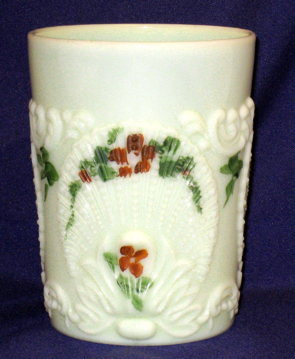 Northwood Geneva custard glass tumbler - shell design