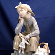 "Lladro ""Girl with doll "" ""Anoranza"" Figurine # 1211 or 01011121 - beautifu"
