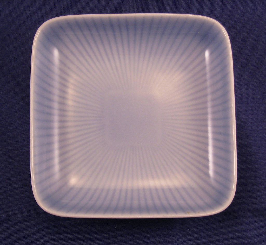 Gunnar Nyland Rorstrand blue white striped pin dish