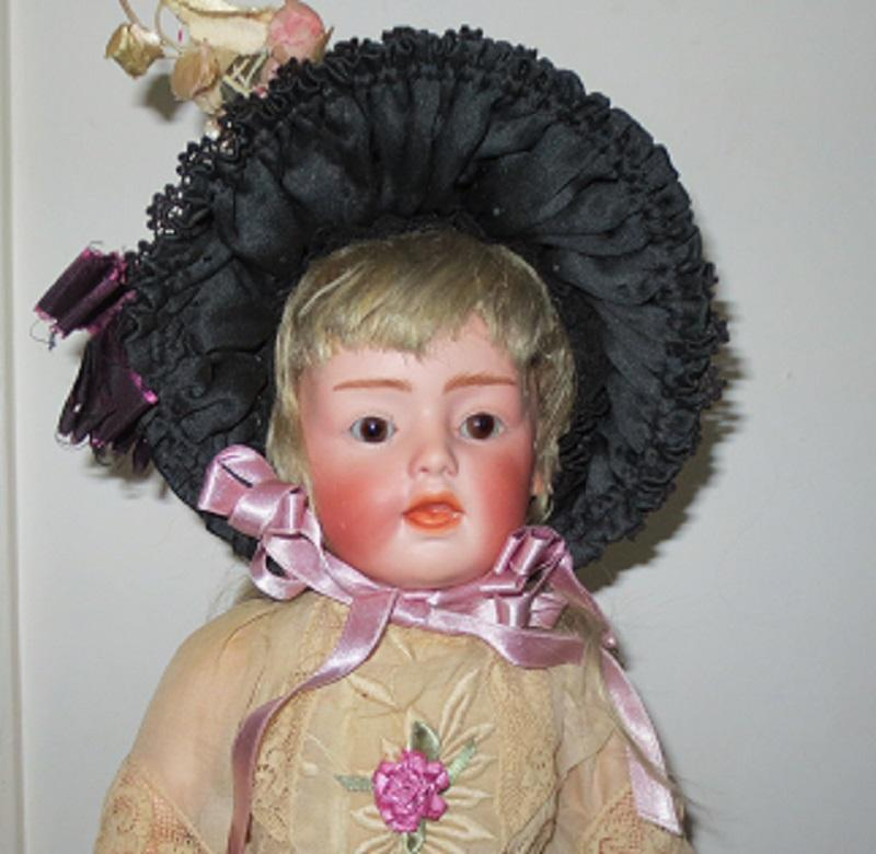 Rare Heubach 7660 -16&quot;, one of the numbers called singing girl