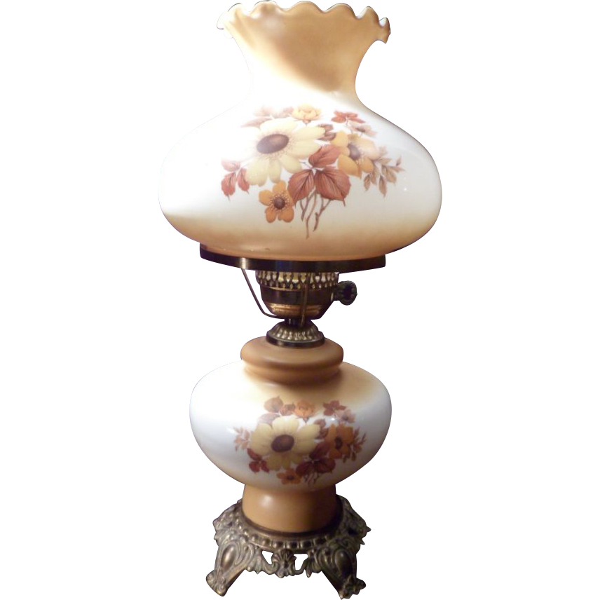 Vintage 1940's or 1950's superb Gone With The Wind lamp, Hand-Painted Floral Decoration