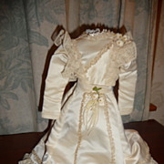 Charming wedding dress with train for french or german fashion doll
