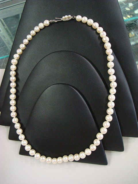 Princess Length Cultured Pearls c1930's -pretty 14k clasp