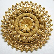 Unsigned Castellani Etruscan Revival Granulated 18K Brooch