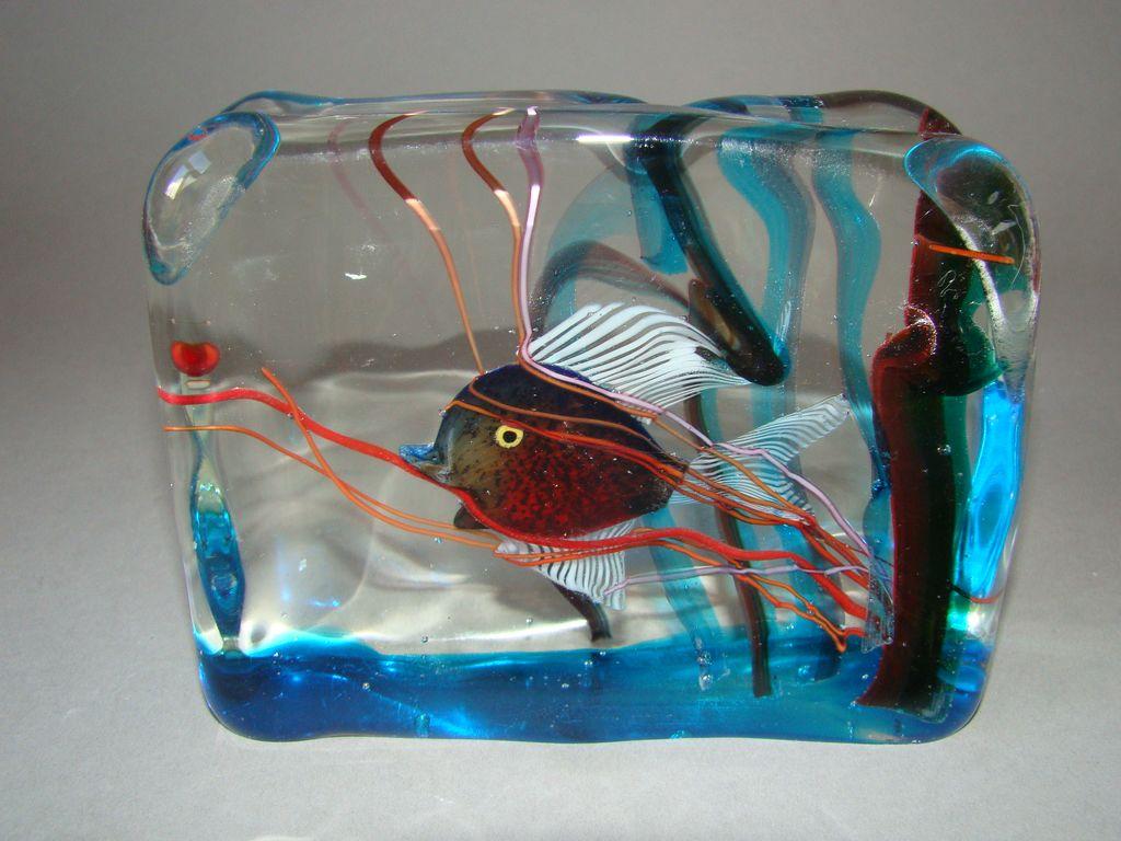 ... Murano Venetian Barbini Cenedese Glass Fish Aquarium Block Paperweight
