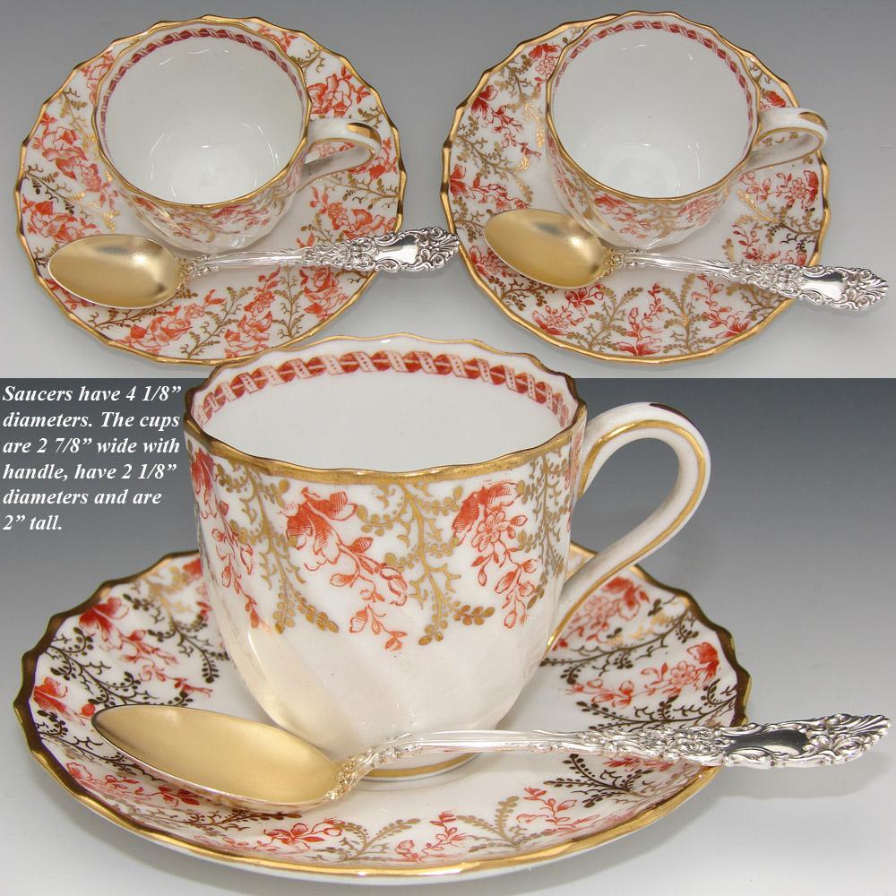 スポード社製のカップ&ソーサーと純銀のティースプーン