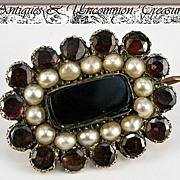 SALE Fine Antique Georgian Mourning Brooch, Seed Pearl & Garnet, 10k - Locket aperture for a l