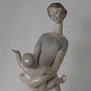 SOLD Lladro Motherhood, Mother & Child 4575G Free Shipping