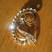 Vintage Signed Early Coro Rhinestone Brooch