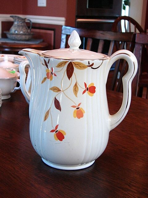 Hall's China Jewel Tea Autumn Leaf Pattern Rayed Coffee Pot w Lid Free Shipping