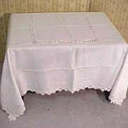 SALE Tablecloth Heirloom Banquet Linen Filigree Lace