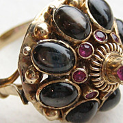 Exquisite 10Kt. /14 Kt  Vintage Black Star Sapphire and Ruby Thai  Princess Ring