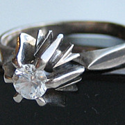 "Vintage 1920's ""17 Kt "" White Gold & Diamond Solitaire Ring"
