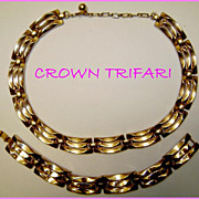 Gorgeous Crown Trifari Link Necklace & Bracelet
