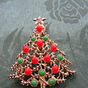 REDUCED Super Cute Red & Green Ball Decorated Christmas Tree Brooch