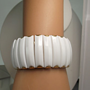 REDUCED Fun Fifties White Thermoset Bracelet, Will Fit Most!