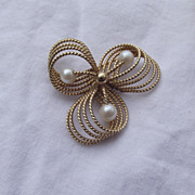 SALE Elegant Signed WINARD 12k Gold Filled Brooch With Pearls!