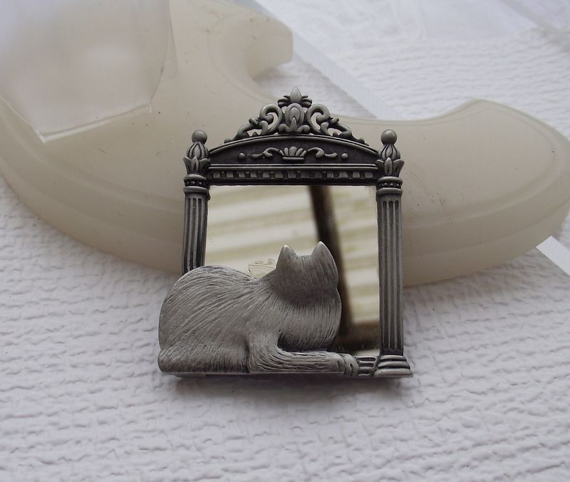 Darling Cat In The Mirror Brooch By &quot;J.J.&quot;, Jonette Jewelry Co.!