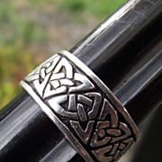 SALE Classic Vintage Sterling Silver CELTIC Band Ring, Size 9!