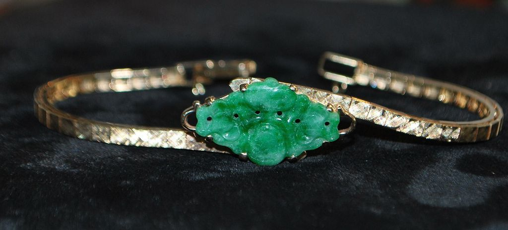 14K Apple Green Jade and Gold Line Bracelet,1960's