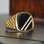 14K Man's Onyx  and Gold Signet Ring -1980's